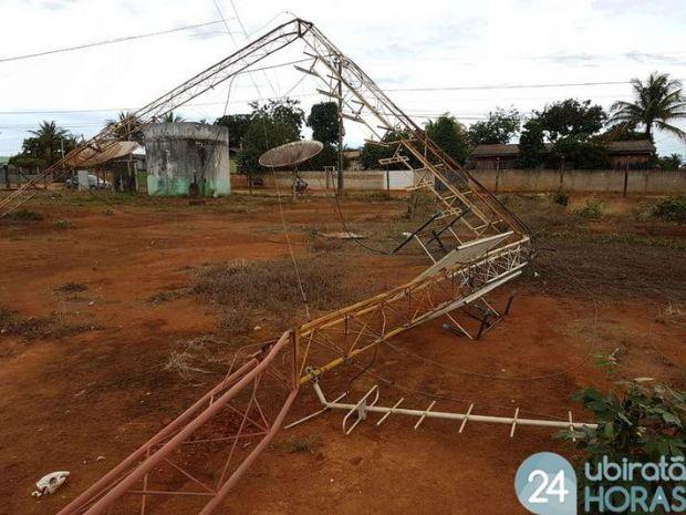 Forte ventania derruba árvores, torre de afiliada da Globo e destelha casas em Mato Grosso