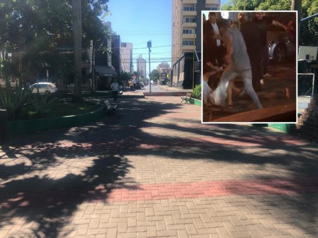 Discussão por causa de fumaça de cigarro termina em pancadaria na Praça Popular;  veja vídeo