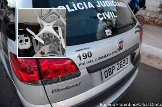 Dupla é presa após utilizar drone para arremessar drogas e celulares para dentro de presídio