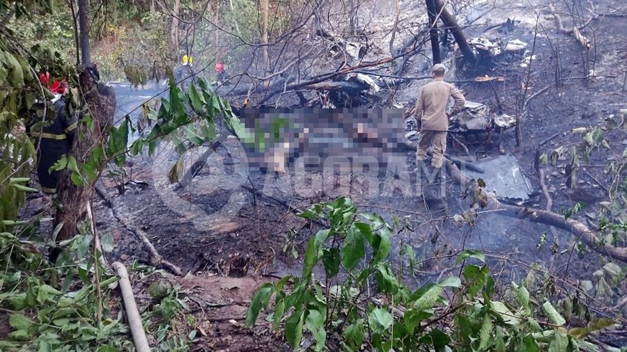 Bombeiros confirmam mortes de quatro pessoas em queda de aeronave; vítimas faziam voo panorâmico