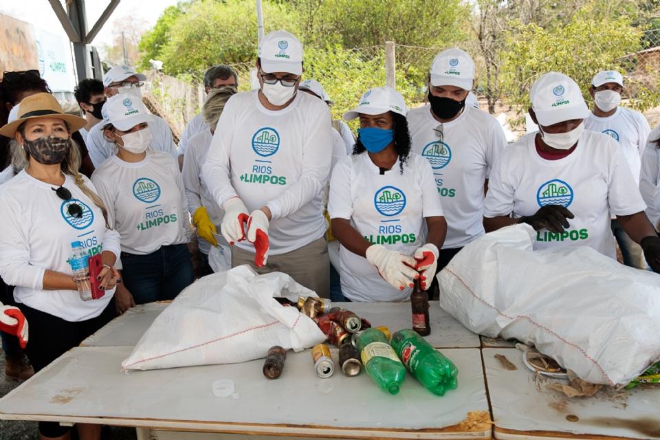 Mato Grosso é contemplado por programa federal para limpeza de resíduos sólidos de rio e baías