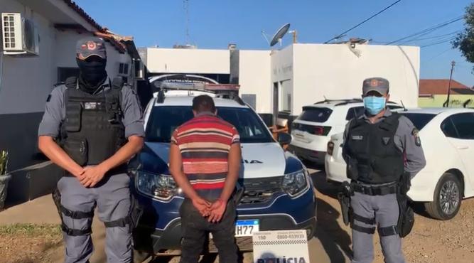 Homem rouba loja, é filmado por câmeras e acaba preso pela Polícia Militar