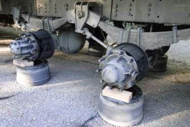 Resultado de imagem para ladrões levaram pneus