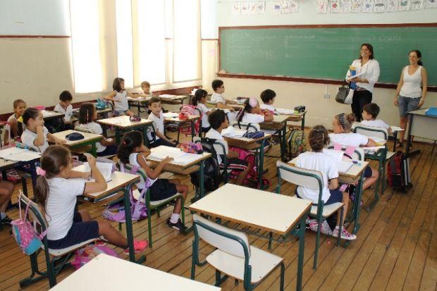 Em doze horas, cinco mil se cadastram para apenas 3,7 mil vagas oferecidas em escolas e creches