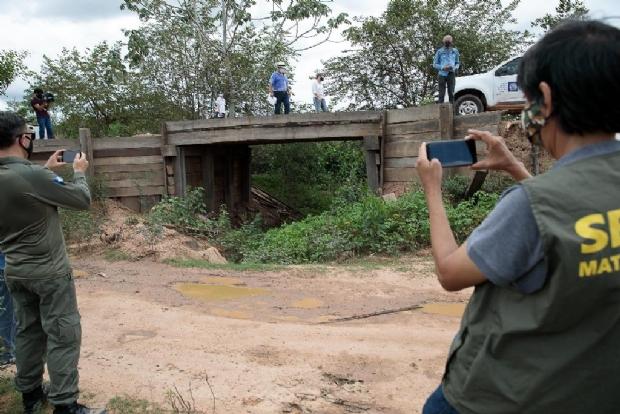 Sema encontra sete aterros que obstruem passagem da água para corixos no Pantanal; pontes serão desfeitas