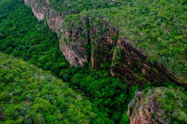 Taques assina TAC e fixa prazos para regularizar Parque Serra Ricardo Franco