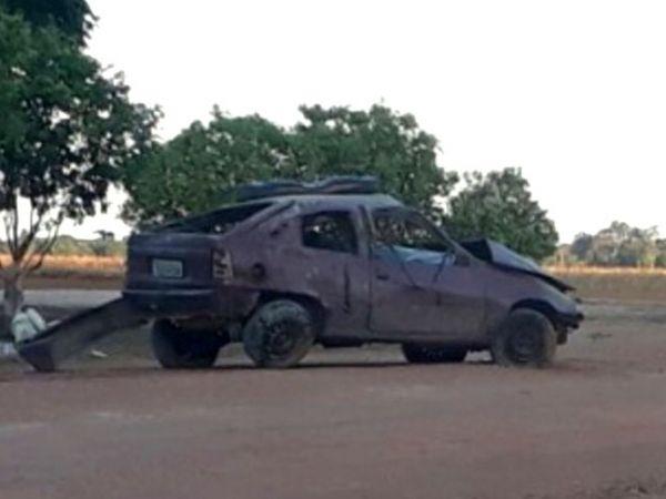 Motorista perde controle de carro, capota e morre em rodovia estadual; três ficam feridos
