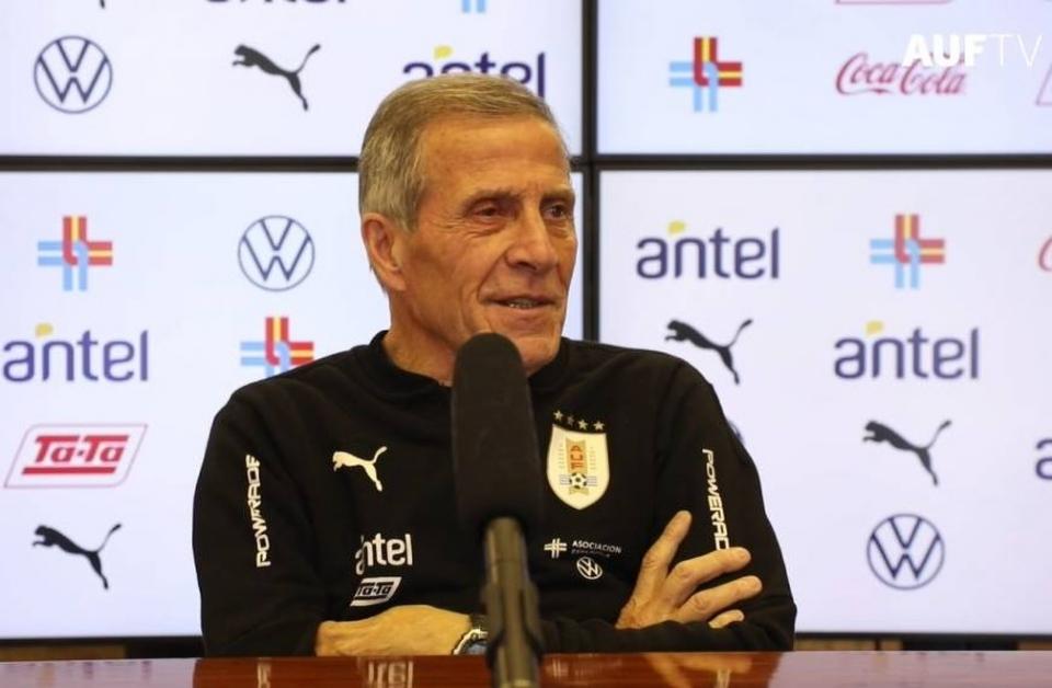 Treinador do Uruguai e Cavani dizem que risco da Covid-19 seria o mesmo em qualquer lugar e não temem vírus