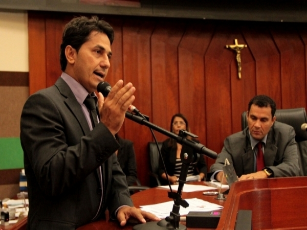 De saída para Secretaria de Saúde, Figueiredo será substituído por Levante na Câmara