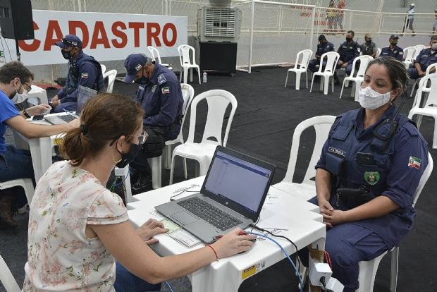VG anuncia cadastro para idosos acima de 60 anos e vacina Guarda Municipal e forças de segurança