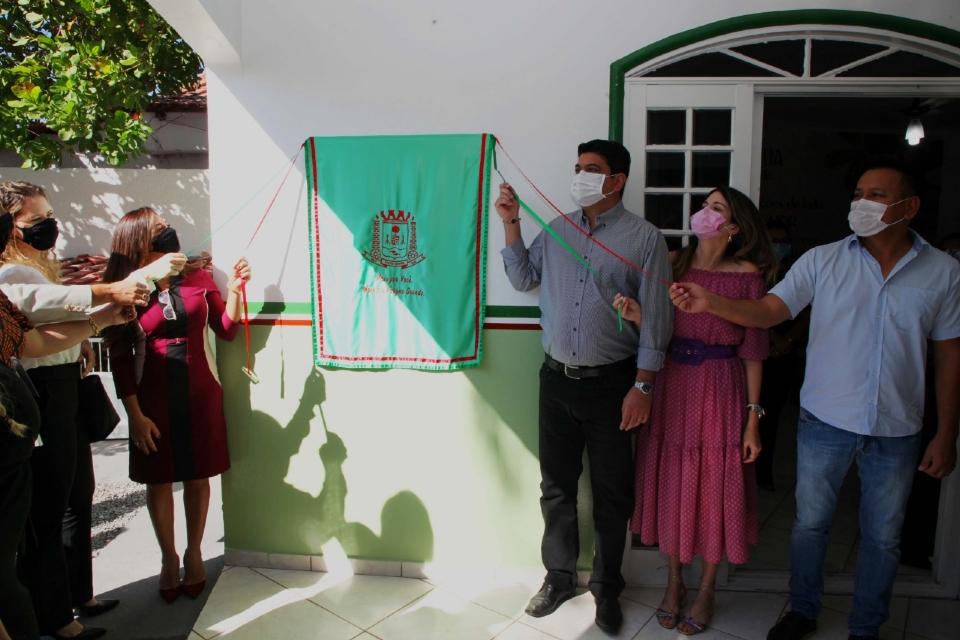 Kalil e primeira-dama entregam Casa de Acolhimento para Meninas em risco em VG