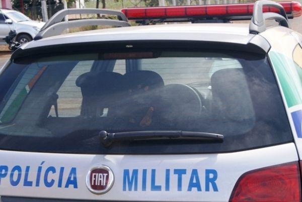 Vítima de assalto reage e imobiliza ladrão armado até a chegada da polícia