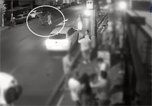 Novo vídeo mostra atropelamento de jovens em frente à Valley; vítimas conversavam e dançavam no meio da rua
