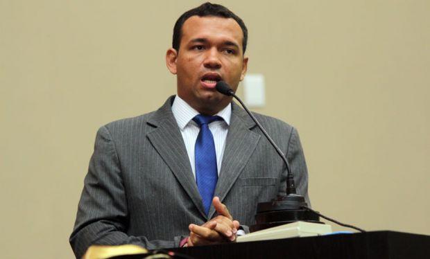 Deputado chama proposta de extinção de parque ambiental de