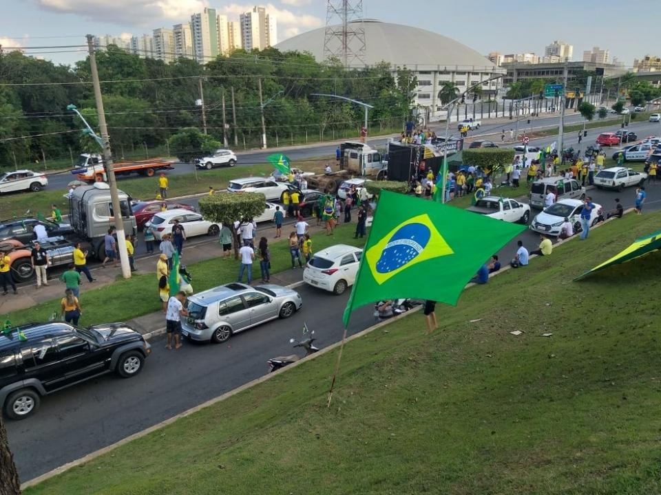 Manifestação anterior em apoio a Bolsonaro em Cuiabá
