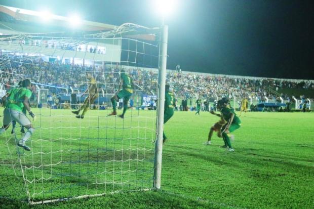 Cuiabá supera pressão e vence Sinop diante de estádio lotado em Mato Grosso