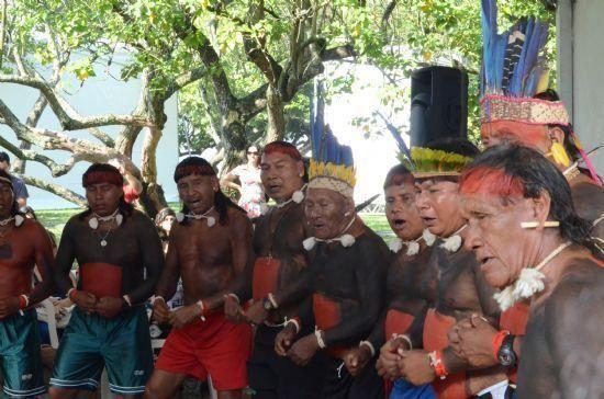 Revoltados porque um índio foi baleado deram início a onda de saques