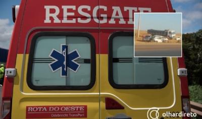 Colisão entre camionetes em rodovia deixa três pessoas feridas