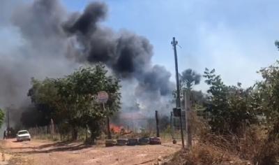 Moradores se mobilizam para conter incêndio em região de chácaras pt3