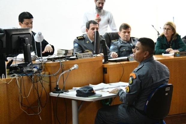 Justiça cobra explicação de militar da Grampolândia que foi a casa noturna armado