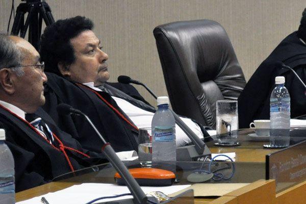 """Desembargador suspeita que juízes participaram de grampos: """"nessa sopa tem mosquito""""; veja vídeo"""