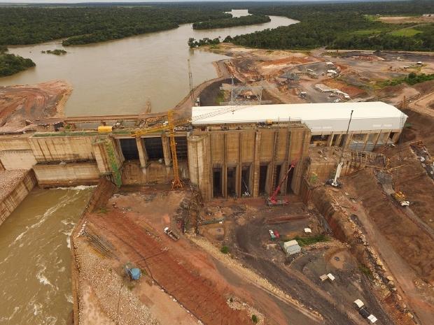 MP pede suspensão de serviços em usinas hidrelétricas após constatar morte de peixes no Rio Teles Pires