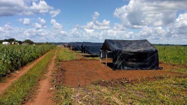 Justiça manda MST desocupar fazenda de R$ 33 milhões de ex-governador Silval