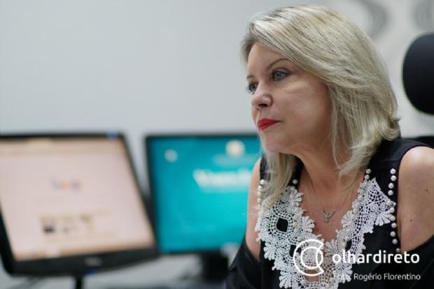 Juiz determina que Facebook apague vídeo de entrega de adesivos de Selma em ato pró-Bolsonaro