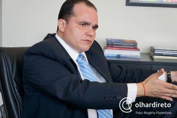 Advogado que agrediu juiz é suspenso pela OAB, que cobra mais segurança do Judiciário