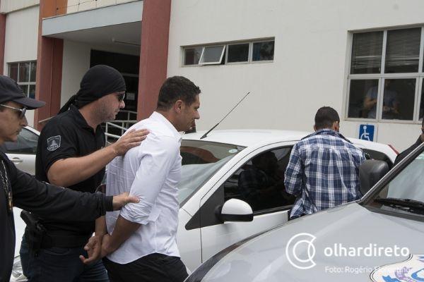 Willians Mischur chegando à sede da Defaz