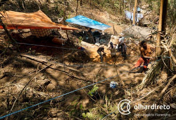 Justiça determina desocupação, destruição de ferramentas e remoção de carros de garimpo em Pontes e Lacerda