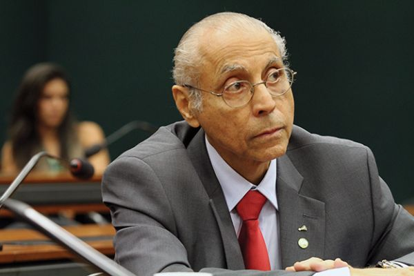 Ministra do TSE devolve direitos políticos a Júlio Campos, que está livre para se candidatar