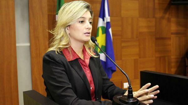 Justiça bloqueia bens de Luciane Bezerra ação por fraude a licitação