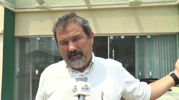 MPF entra com ação contra prefeito de Cáceres por incêndio em prédio da prefeitura