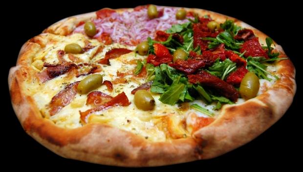 Restaurantes não podem cobrar por 'resto no prato' e nem preço do sabor mais caro em pizza dividida