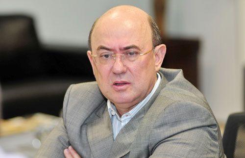 TSE não coloca recurso na pauta e Riva vive drama por registro de candidatura