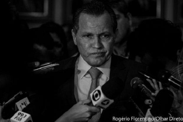 PGR entrega ao STF caneta espiã e câmera usada por Silval para flagrar deputados