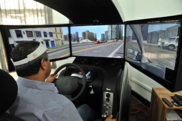 Mais três autoescolas conseguem revogar obrigatoriedade de uso de simulador em aulas